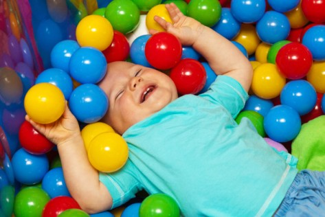 http://www.publicdomainpictures.net/view-image.php?image=26005&picture=baby-with-play-balls